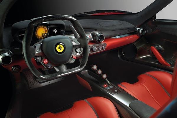 Интерьер салона Ferrari LaFerrari
