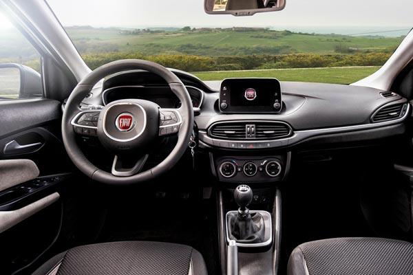 Интерьер салона FIAT Tipo Hatch