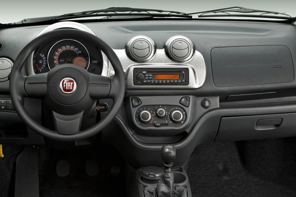 Интерьер салона FIAT Uno