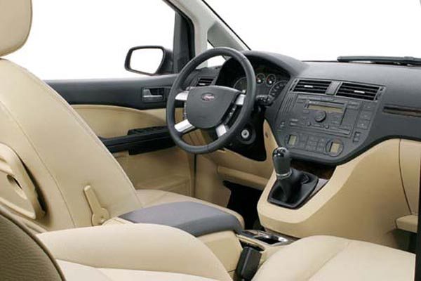 Интерьер салона Ford Focus C-Max