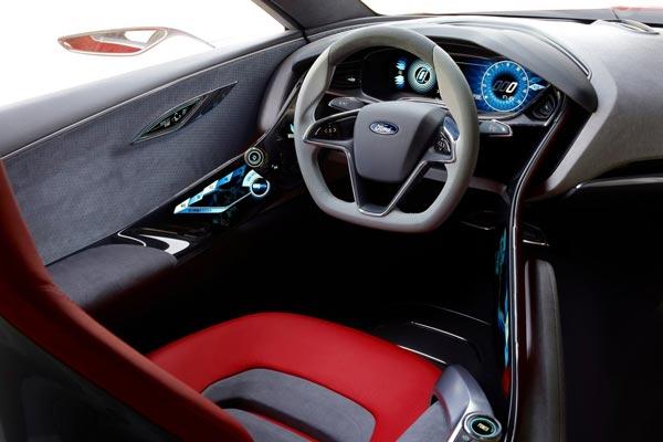 Интерьер салона Ford Evos Concept