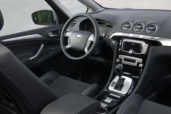Интерьер салона Ford S-Max