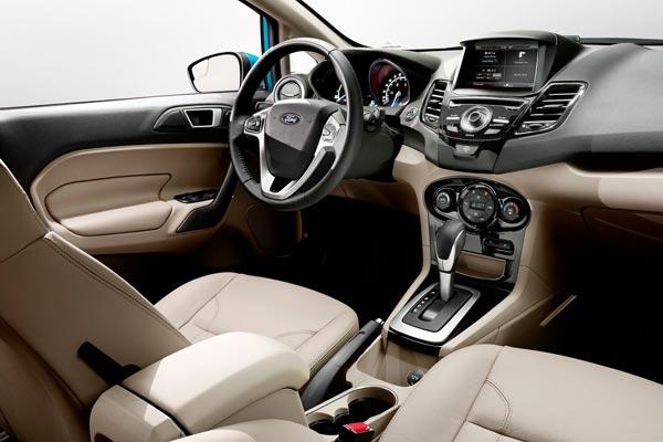 Интерьер салона Ford Fiesta 3-door