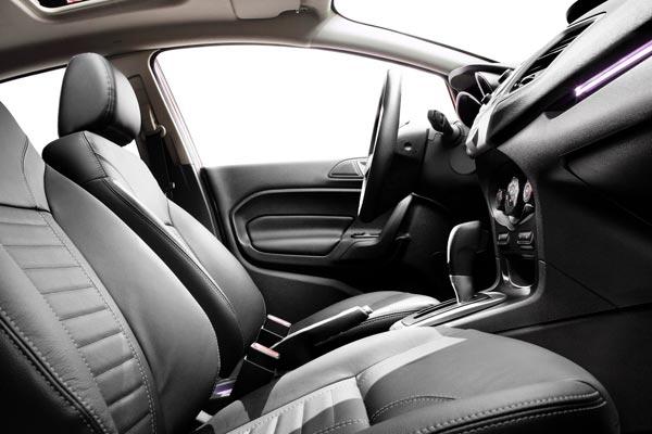 Интерьер салона Ford Fiesta Sedan