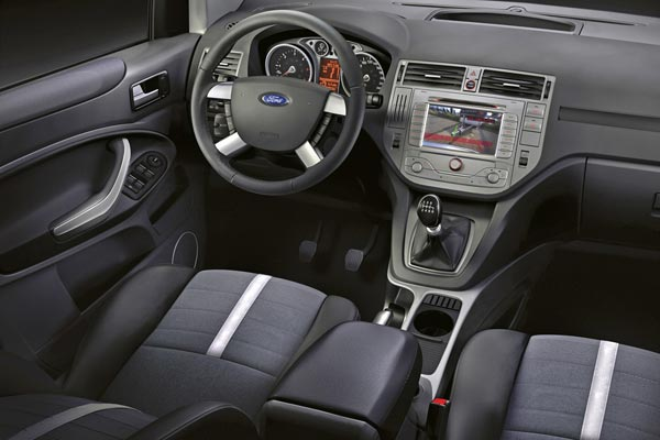 Интерьер салона Ford Kuga
