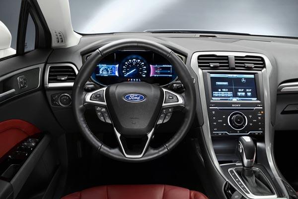 Интерьер салона Ford Mondeo Sportbreak