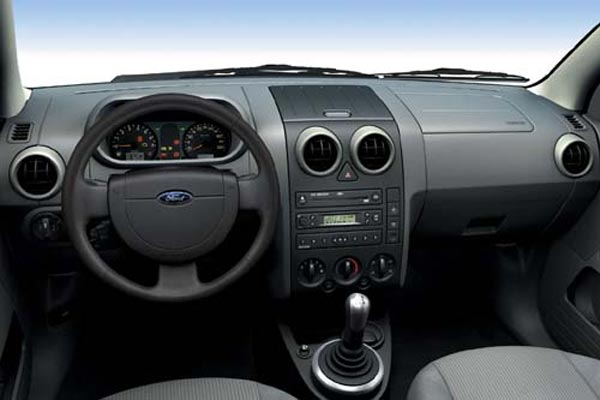 Интерьер салона Ford Fusion