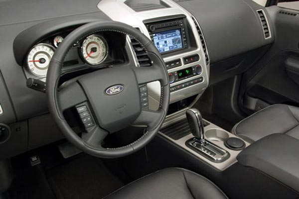 Интерьер салона Ford Edge