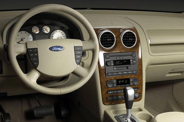 Интерьер салона Ford Freestyle