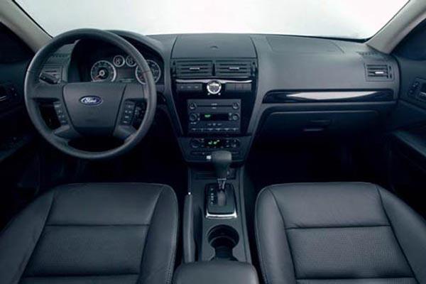 Интерьер салона Ford Fusion USA