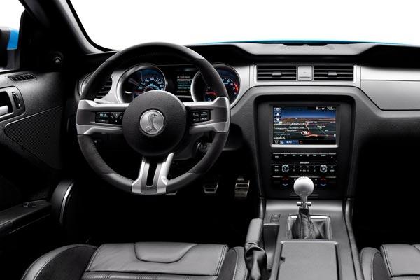 Интерьер салона Ford Mustang Shelby GT500