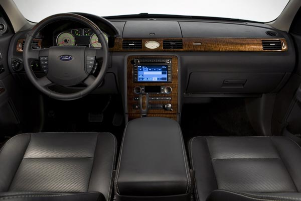 Интерьер салона Ford Taurus