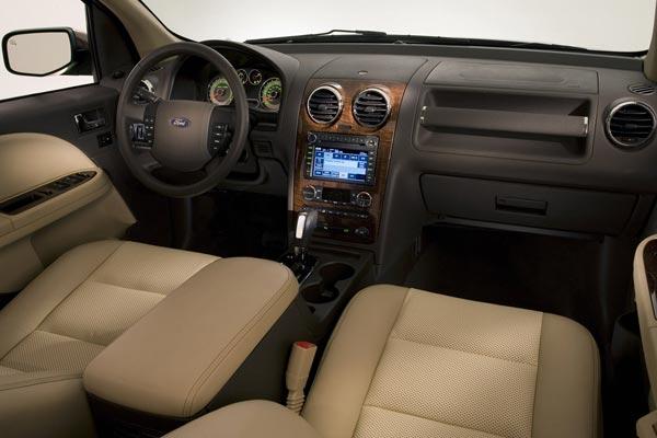 Интерьер салона Ford Taurus X