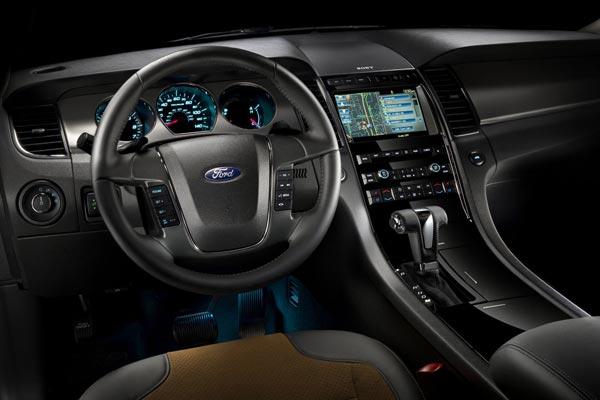Интерьер салона Ford Taurus SHO