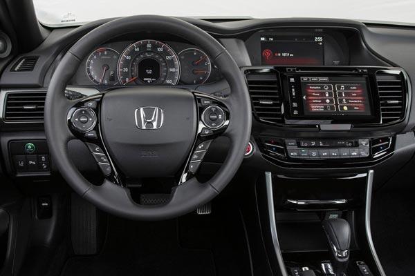 Интерьер салона Honda Accord Coupe