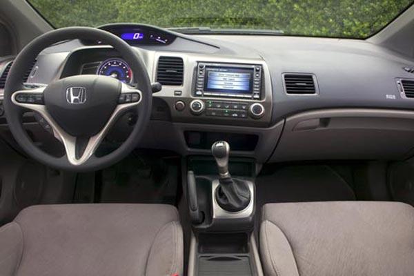 Интерьер салона Honda Civic Coupe