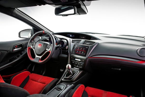 Интерьер салона Honda Civic Type-R