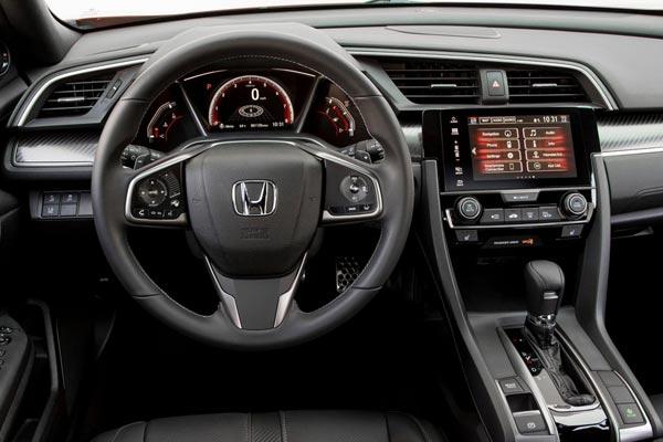 Интерьер салона Honda Civic