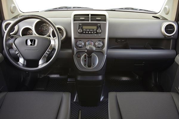 Интерьер салона Honda Element