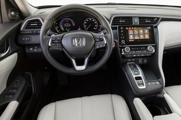 Интерьер салона Honda Insight