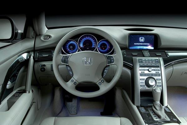 Интерьер салона Honda Legend