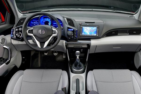 Интерьер салона Honda CR-Z