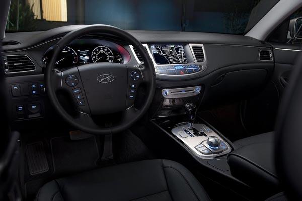 Интерьер салона Hyundai Genesis