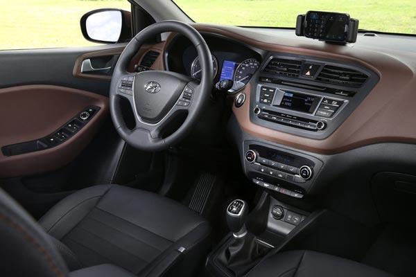 Интерьер салона Hyundai i20 Coupe