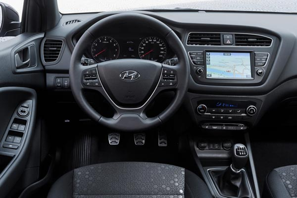 Интерьер салона Hyundai i20 Active