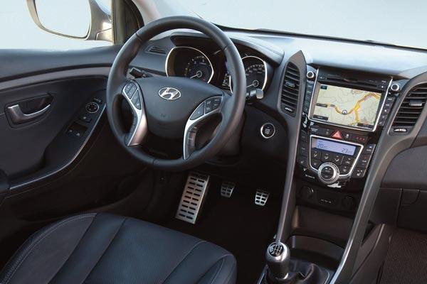 Интерьер салона Hyundai i30 3-door