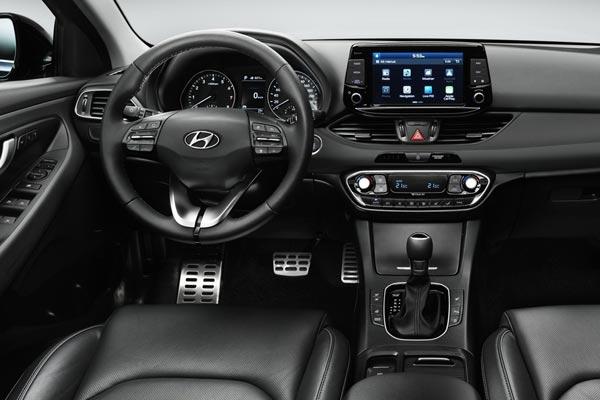 Интерьер салона Hyundai i30