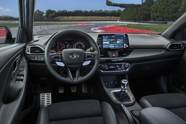 Интерьер салона Hyundai i30 N