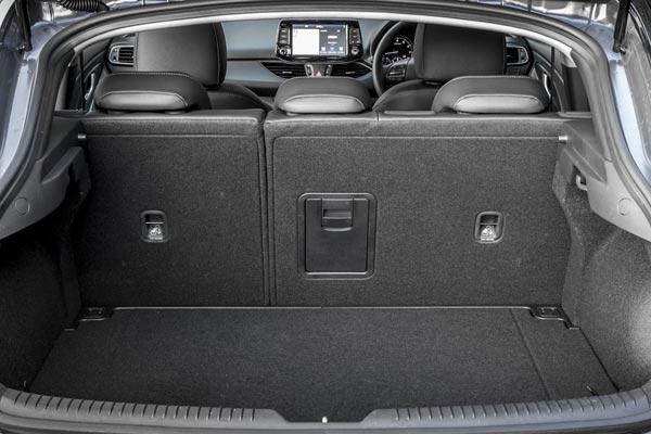 Интерьер салона Hyundai i30 Fastback