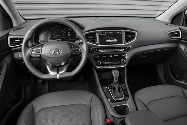 Интерьер салона Hyundai Ioniq