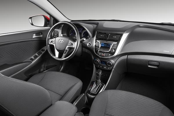 Интерьер салона Hyundai Solaris Hatchback