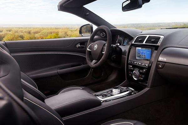 Интерьер салона Jaguar XKR-S Convertible