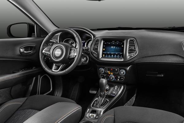 Интерьер салона Jeep Compass