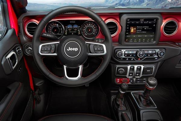 Интерьер салона Jeep Wrangler 2018
