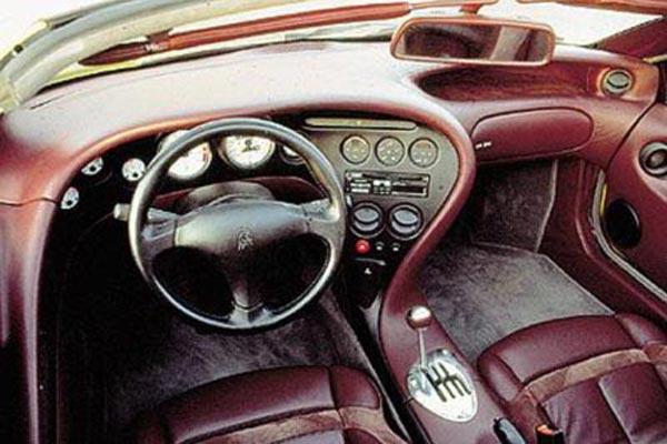 Интерьер салона Lamborghini Diablo