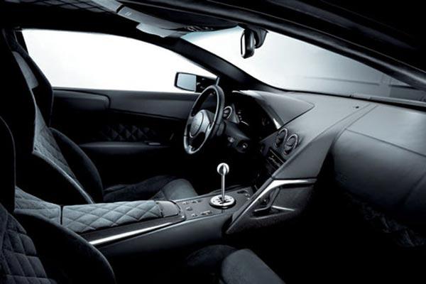 Интерьер салона Lamborghini Murcielago LP640