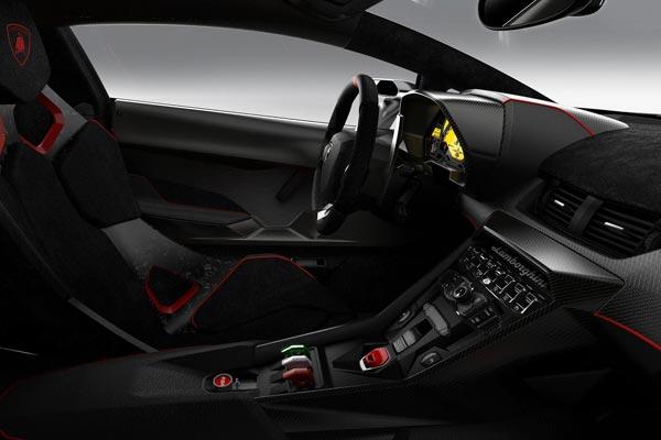Интерьер салона Lamborghini Veneno
