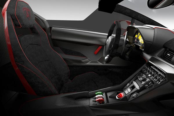 Интерьер салона Lamborghini Veneno Roadster