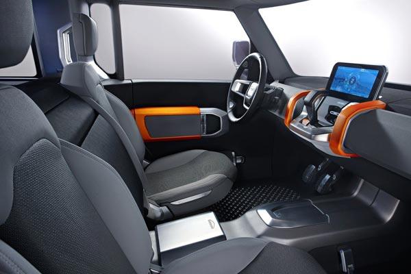 Интерьер салона Land Rover DC100 Concept