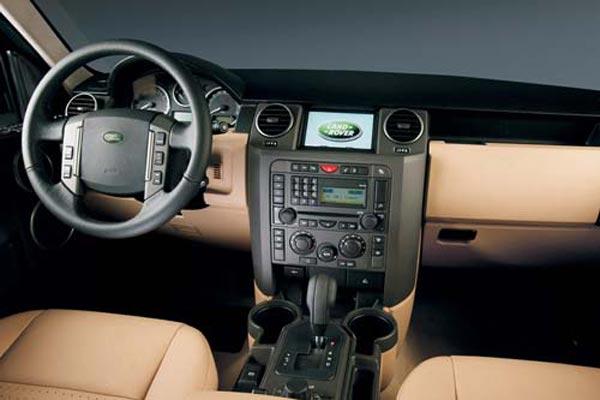 Интерьер салона Land Rover Discovery