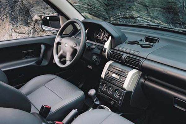 Интерьер салона Land Rover Freelander