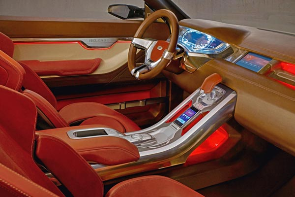 Интерьер салона Land Rover LRX