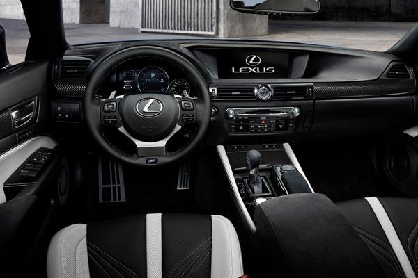 Интерьер салона Lexus GS F