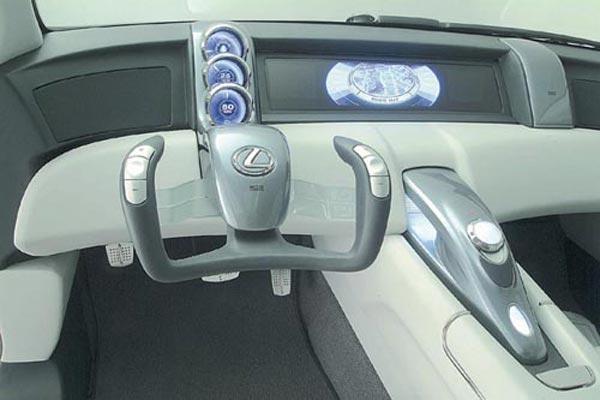 Интерьер салона Lexus HPX