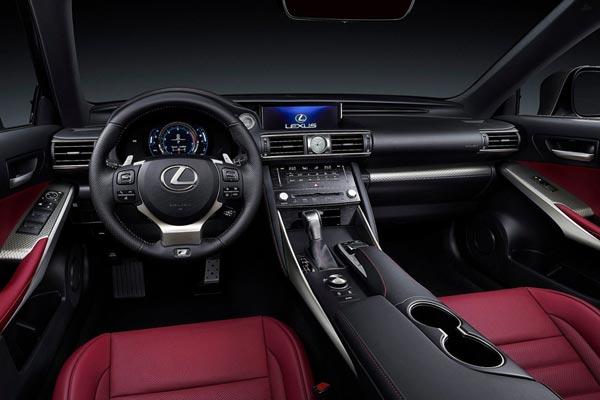 Интерьер салона Lexus IS