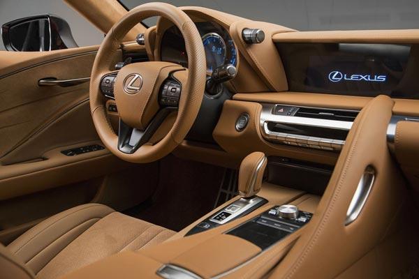 Интерьер салона Lexus LC